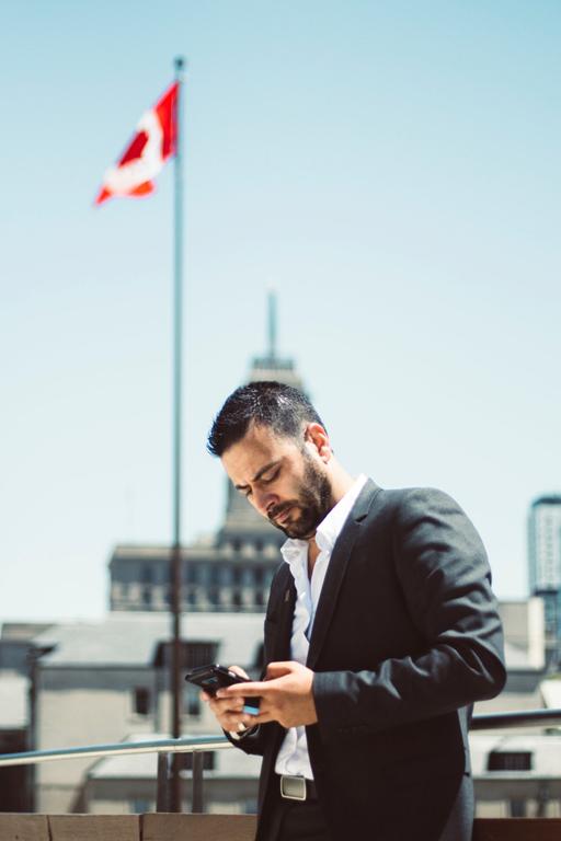 businessman-busy-canada-624368